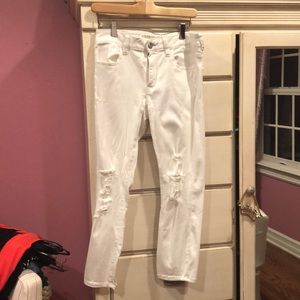 White American Eagle Distressed Jeggings